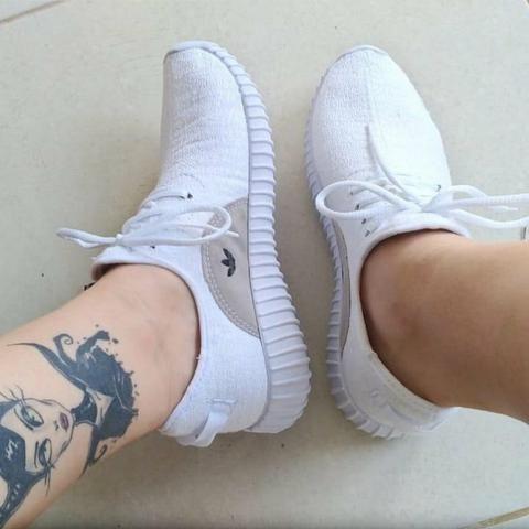 23444673f47 Adidas Yezzy - Roupas e calçados - Chácara N Senhora Aparecida