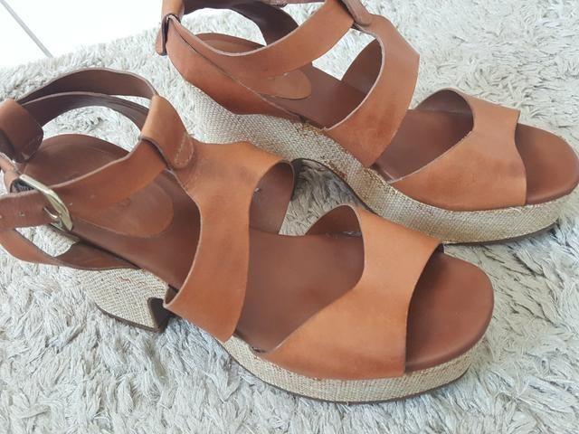 d7369f3d50 Sandália Arezzo 37 - Roupas e calçados - Casa Amarela