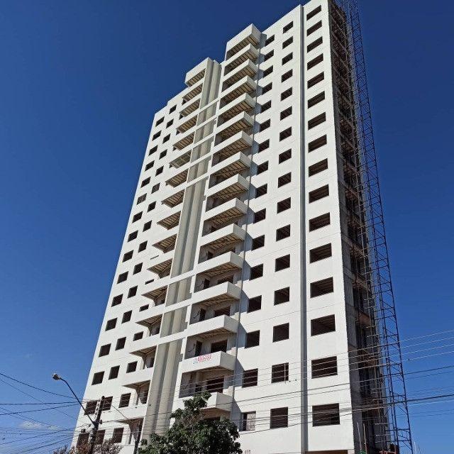 César Dallabrida vende Apartamentos na Torre Varsóvia Brzezinski em Campo Mourão/PR