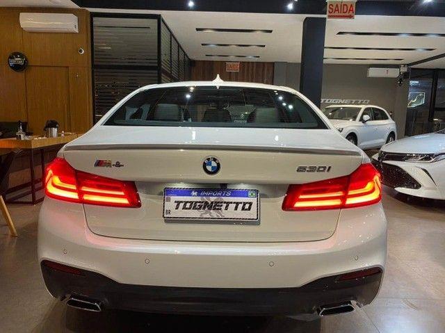 BMW 530i M Sport 2.0 Turbo 2018 - Foto 16