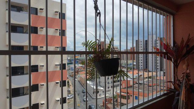 Apartamento 3 quartos, sendo 2 suítes - Pajuçara - Foto 8