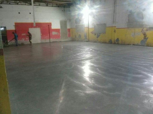 serviço pintura em epóxi  piso concreto - Foto 5