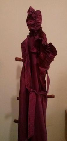 Vestido longo cor de vinho