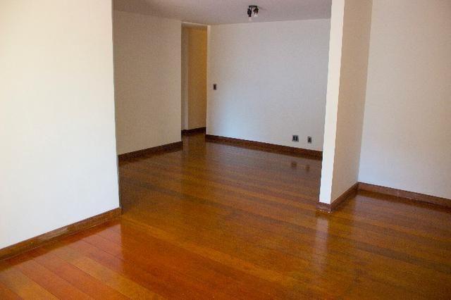Apartamento no Leblon, 2a. quadra da praia