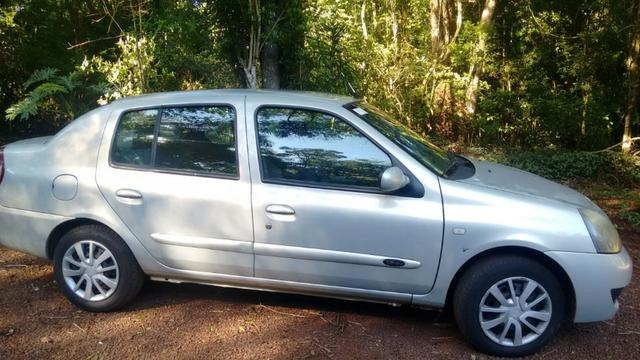 Vende-se Renault Clio Sedan