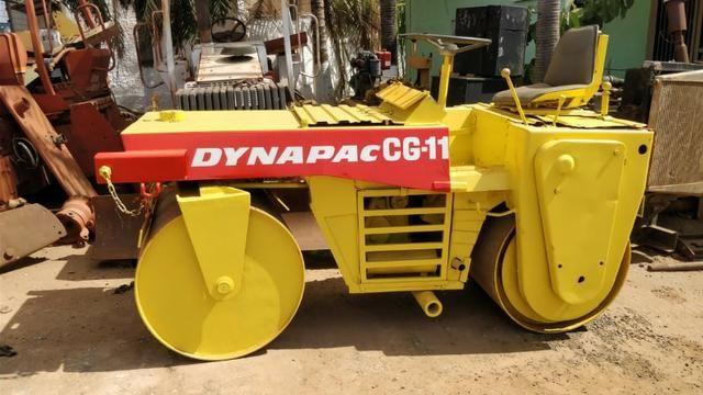 Rolo compactador vibratório Dynapac CG11 tapa buracos - Foto 4