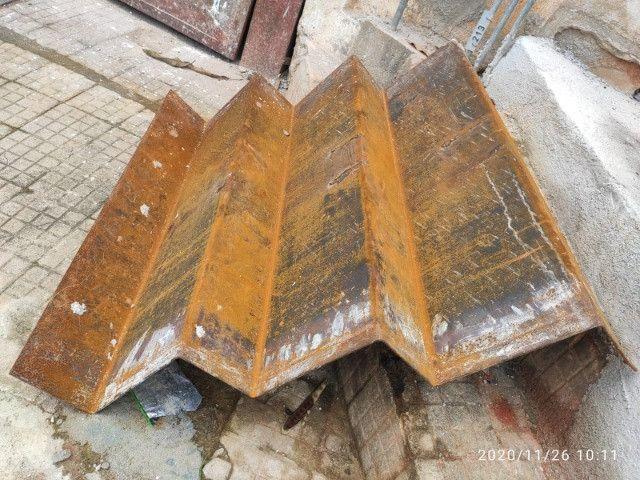 Portão basculante, escada de chapa de ferro ,leia a descrição - Foto 4