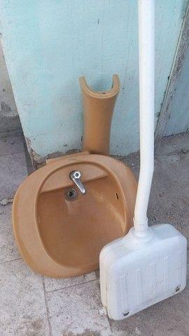 Vaso sanitário e pia - Foto 4