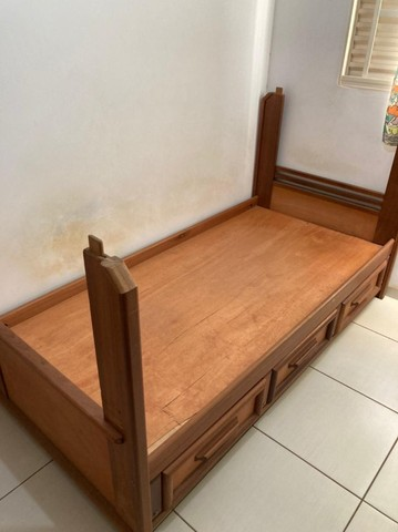 Cama de Solteiro Usada (Madeira Pura) - Foto 2