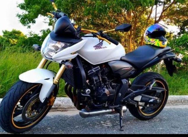 Vendo essa Honda CB 600F Hornet 2012