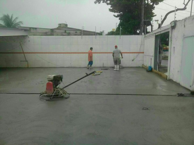 serviço pintura em epóxi  piso concreto - Foto 6