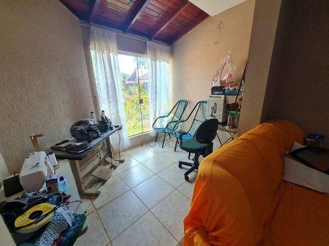CASA COM 2 QUARTOS E SALÃO COMERCIAL - Foto 4