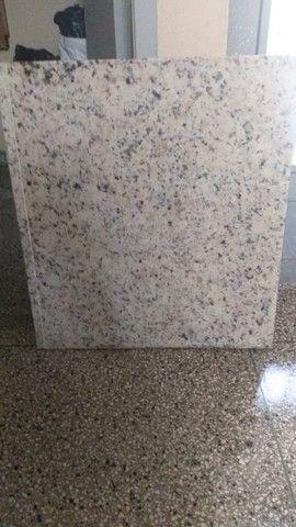 Vende-se uma Pedra de Marmore