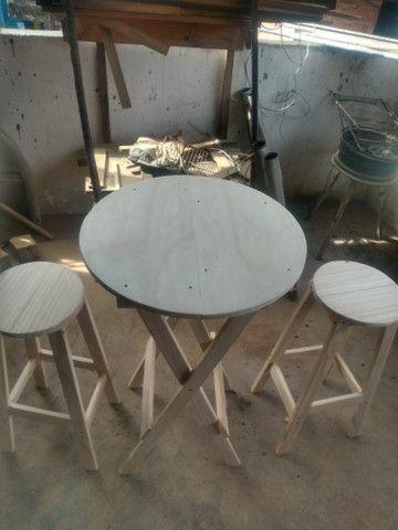 Conjunto de mesa e banco americano pinho e cedro - Foto 4
