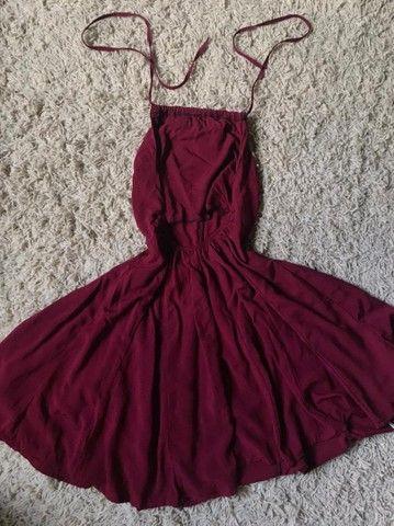 Vestidos e macaquinha novos  - Foto 2