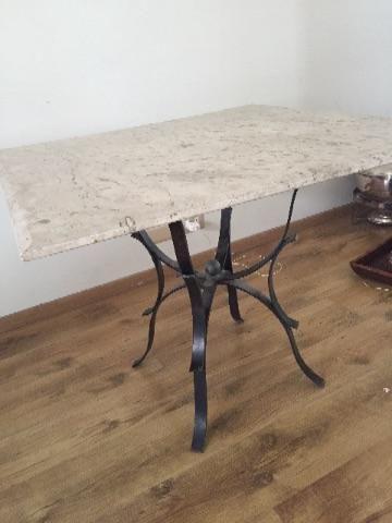 Conjunto de mesa e centro em mármore