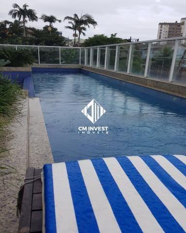Apto com piscina + 2 vagas + vista mar + mobiliado + excelente localização