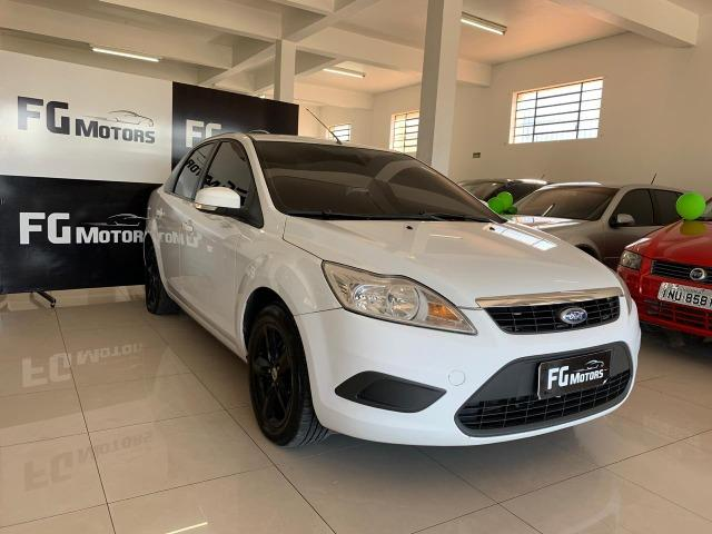 Focus Sedan 1.6 completo - 2011 - Ipva pago