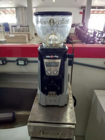 Máquina de café expresso 3 grupos com Moinho eletrônico, perfeito estado de conservação - Foto 3