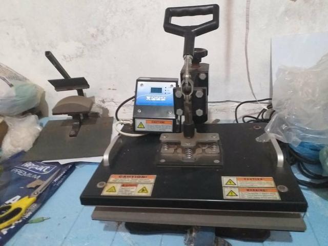 Prensa pra Sublimação, 8x1 e mais uma Impressora pra tintas sublimaticas Epson - Foto 6