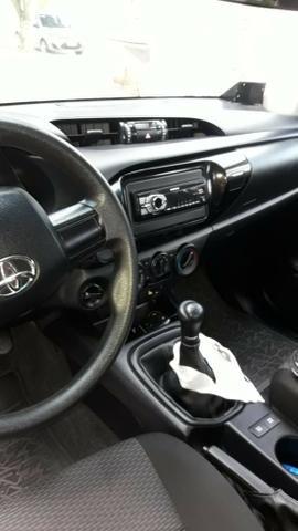 Vende - se Toyota Hillux 4x4 + tração ano 2017 - Foto 6