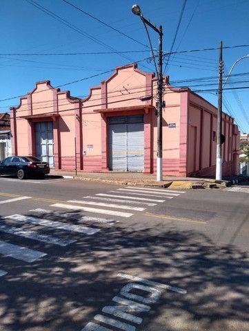 Alugo - Imóvel Comercial - Av. Oliveira Resende, 898 - São Sebastião do Paraíso - MG - Foto 2