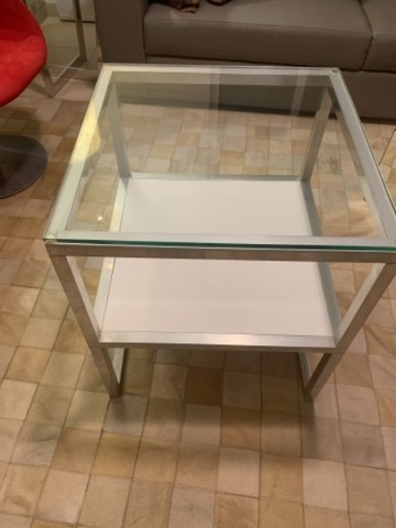 Mesa lateral quadradatoda alumínio , vidro e MDF - Foto 2