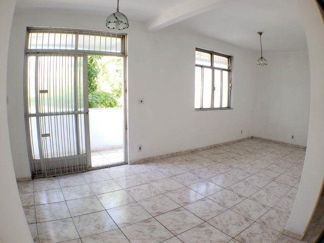 Ótimo Apartamento Duplex 2 Quartos todos espaçoso com Quintal na Pavuna