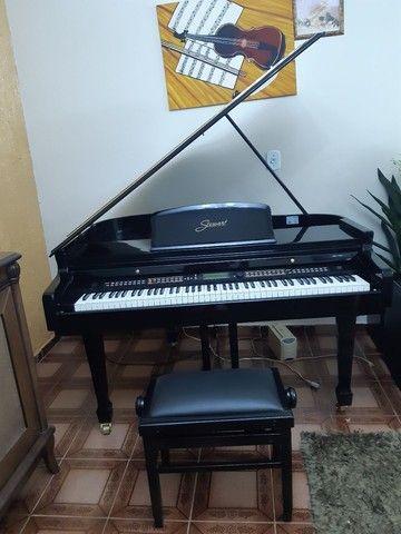 Piano 1/4 de calda ,eletrônico valor 22.500