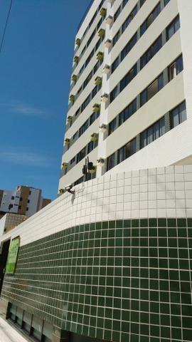 Quarto e sala mobiliado na PONTA VERDE!