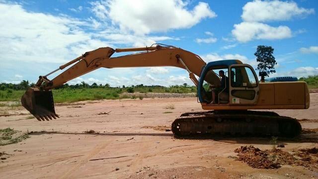 Escavadeira hidráulica volvo 210B