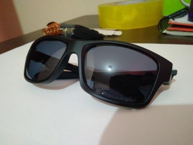 4e7656a337d26 Oakley Jupiter Polarizado - Óculos de sol Masculino Espelhado Novo ...