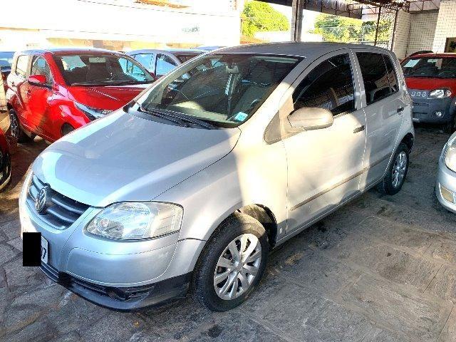VW - Fox 4p 1.0 Prata em ótimo estado - Foto 2