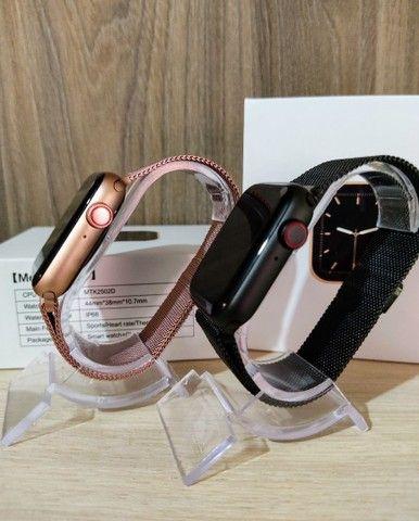 Smartwatch IWO W26+ PLUS + brinde pulseira metálica - Foto 4