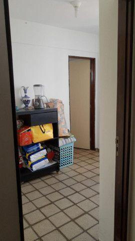 Apartamento 3 quartos, sendo 2 suítes - Pajuçara - Foto 13