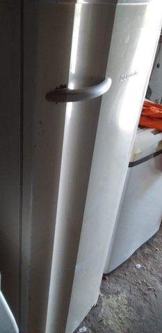 Vende  uma geladeira  - Foto 3