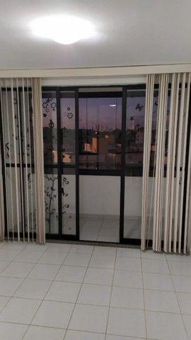 Apartamento com 03 quartos, piscina e varanda - Foto 3