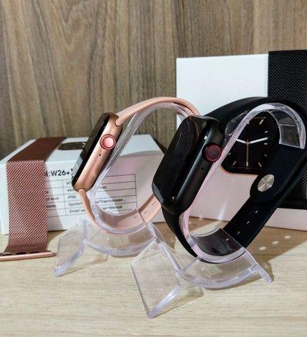 Smartwatch IWO W26+ PLUS + brinde pulseira metálica - Foto 5