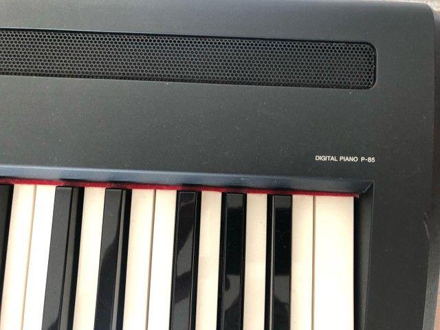 Piano Eletrônico  Yamaha P-85  - Foto 4