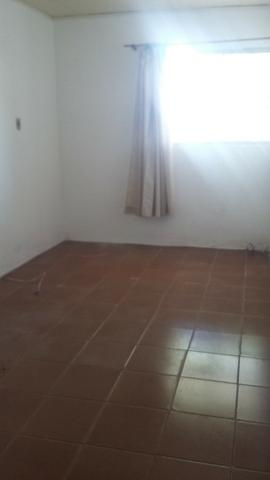 Casa , 2 dormitórios toda gradeada, 01 quadra da Av Rio Grande do Sul