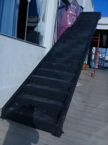 Montagem calhas de zincos e alumínios e telhados fabricação peças de inox - Foto 5