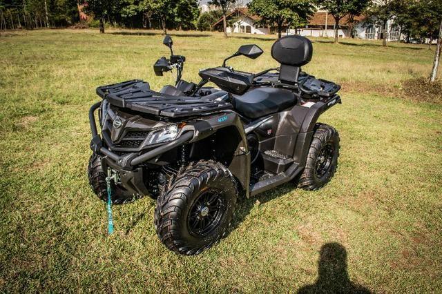 Quadriciclo 4x4 CForce 520L Automático Gasolina