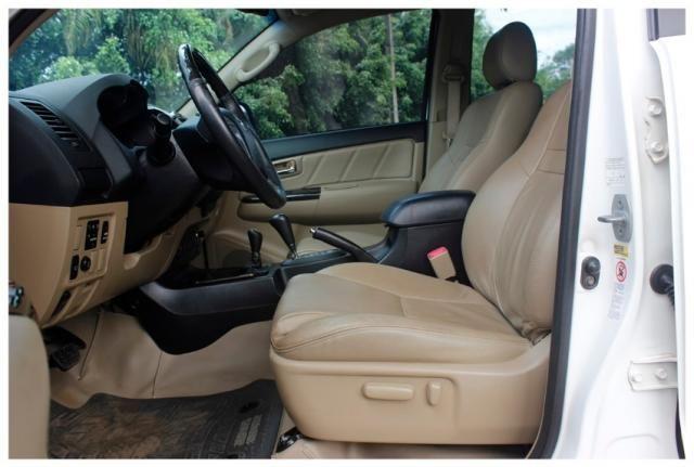 Toyota Hilux Sw4 SRV 4x4 4P - Foto 8
