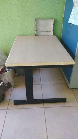 Mesa para escritorio 1,20 x 0,83 x 0,77Alt - Foto 2
