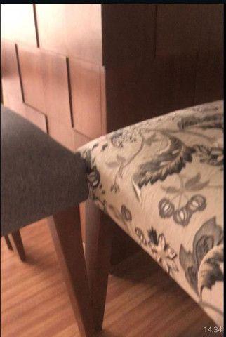 Mesa quadrada  com 8 cadeiras  novinha  - Foto 2