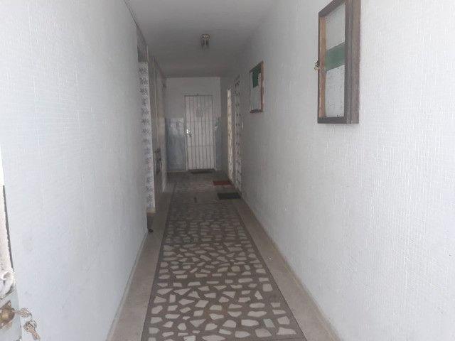 ap quarto, sala, wc e cozinha excelente localização - Foto 17