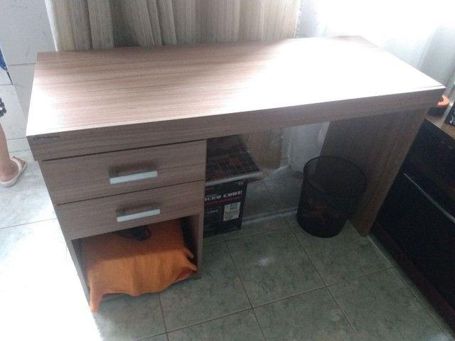 Mesa de madeira para escritório