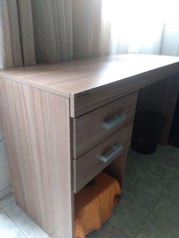Mesa de madeira para escritório - Foto 2