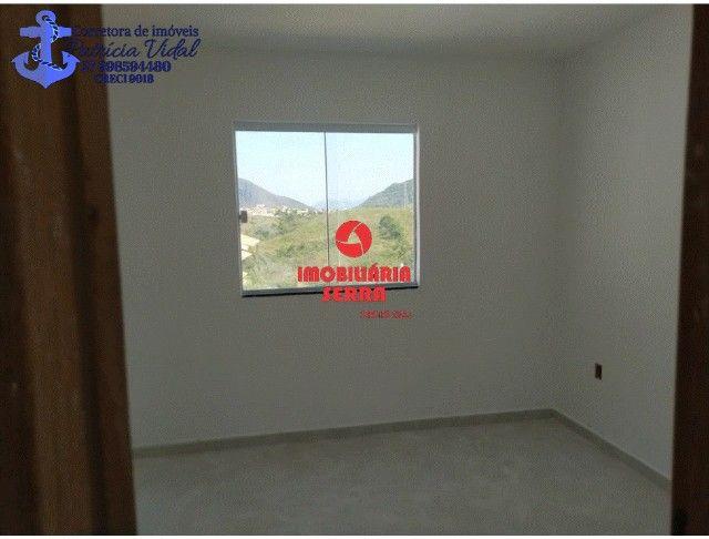 PRV Vendo casa 2qts, quintal gigante, are subsolo, vaga pra dois carros - Foto 3