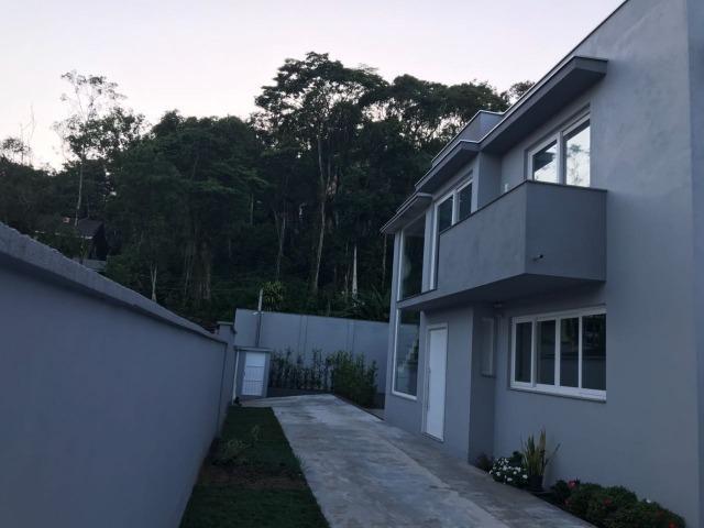 Linda casa 3 suites bairro Gloria em Joinville - Foto 12